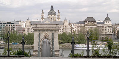 Budapest Sightseeing Tours Photograph - Chain Bridge by Odon Czintos