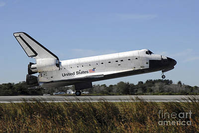 Braking Photograph - Space Shuttle Atlantis Touches by Stocktrek Images