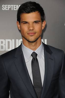 Taylor Lautner At Arrivals Print by Everett