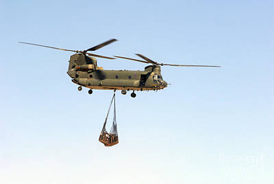 A Ch-47 Chinook Of The Royal Air Force Print by Andrew Chittock
