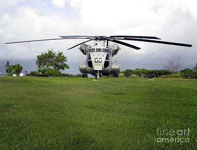 A Rh-53d Sea Stallion Helicopter Print by Michael Wood