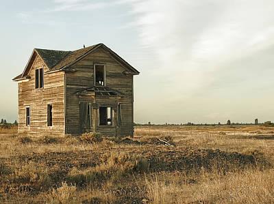 Abandoned Homestead - Eastern Washington Print by Daniel Hagerman