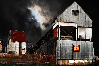 Peterson Photograph - Alive And Well In America . Nightfall At The Old Industrial Sand Plant In Berkeley California . 7d13 by Wingsdomain Art and Photography