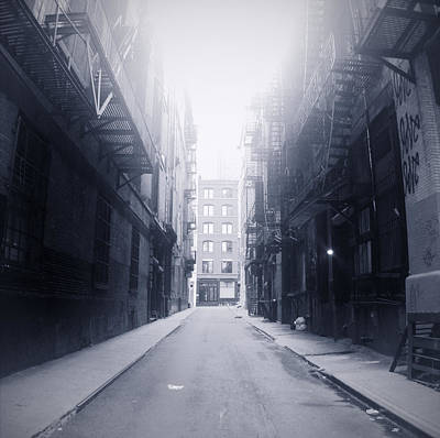 Alleyway Print by William Andrew