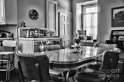 Americana - 1950 Kitchen - 1950s - Retro Kitchen Black And White Print by Paul Ward