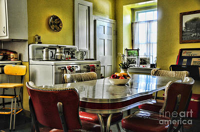 Table And Chairs Photograph - Americana - 1950 Kitchen - 1950s - Retro Kitchen by Paul Ward