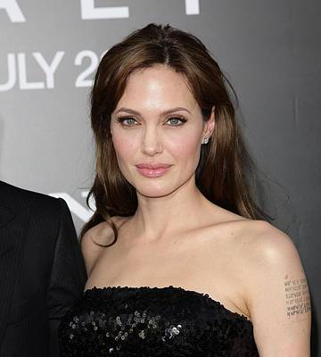 2010s Makeup Photograph - Angelina Jolie At Arrivals For Salt by Everett