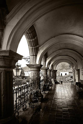 Antigua Arches Print by Tom Bell