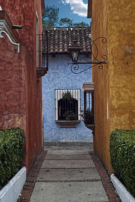 Photograph - Antigua Corridor by Francesco Nadalini