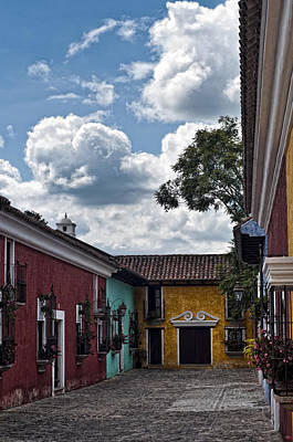 Photograph - Antigua Street by Francesco Nadalini