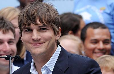 At The Press Conference Photograph - Ashton Kutcher At The Press Conference by Everett