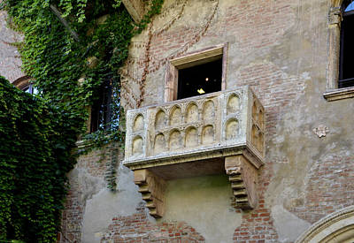 Balcone Di Romeo E Giulietta Print by Martina Fagan