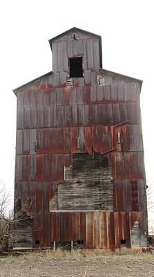 Photograph - Barn 34 by Todd Sherlock