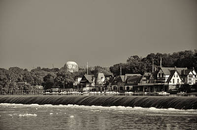 Below The Dam At Boathouse Row Print by Bill Cannon