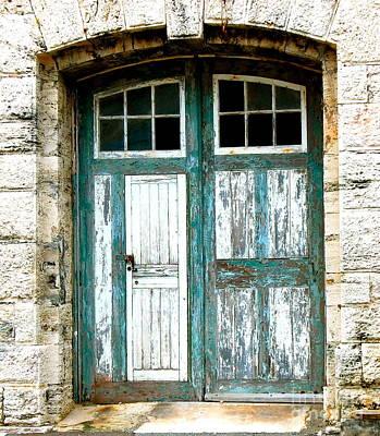 Stone Buildings Photograph - Bermuda Door by Debbi Granruth