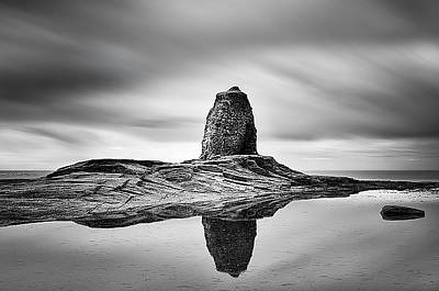 Bay Photograph - Black Nab Whitby by Ian Barber