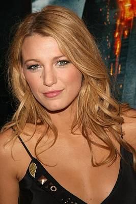 Amc Loews Lincoln Square Theatre Photograph - Blake Lively At Arrivals For The Dark by Everett