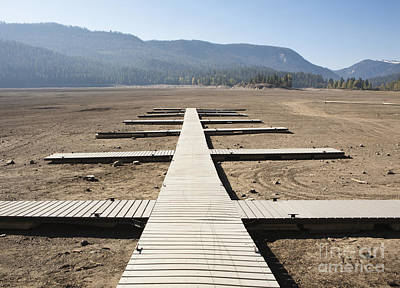 Rimrock Photograph - Boat Dock On Dry Lakebed by Paul Edmondson