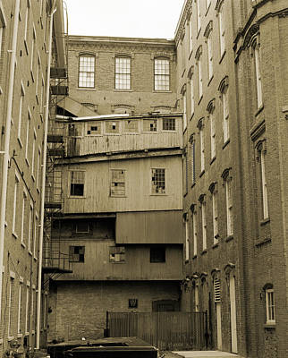 Boott Courtyard Original by Jan Faul