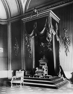 British Royalty Photograph - British Royalty. Throne Room by Everett