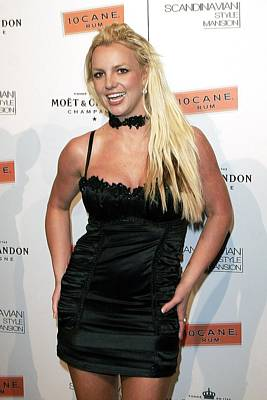 Choker Photograph - Britney Spears At Arrivals by Everett