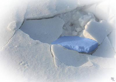 Caspar Digital Art - broken snow I by Nafets Nuarb