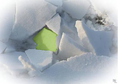 Caspar Digital Art - broken snow II by Nafets Nuarb