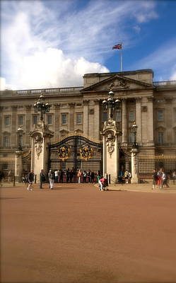 Buckingham Palace Print by John Colley