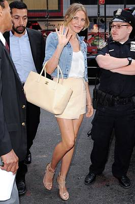 Paparazziec Photograph - Cameron Diaz, Enters The Good Morning by Everett