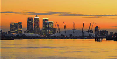 Canary Wharf At Sunset Print by Photography Aubrey Stoll