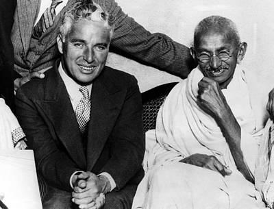 Mahatma Gandhi Photograph - Charlie Chaplin And Mahatma Gandhi by Everett