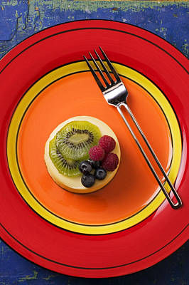 Cheesecake On Plate Print by Garry Gay
