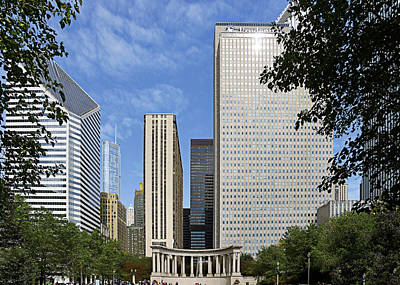 Urban Scenes Photograph - Chicago Millennium Monument And Fountain by Christine Till
