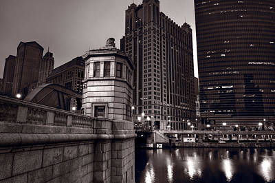 Chicago River Bridgehouse Print by Steve Gadomski