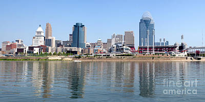 Ohio River Landscapes Photograph - Cincinnati Panoramic Skyline by Paul Velgos