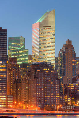 Citigroup Building At Twilight I Print by Clarence Holmes