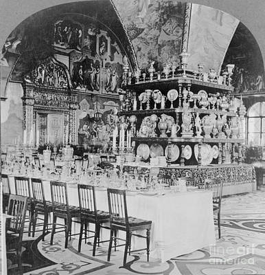 Dining Hall Photograph - Czars Dining Hall In The Kremlin, 1919 by Photo Researchers
