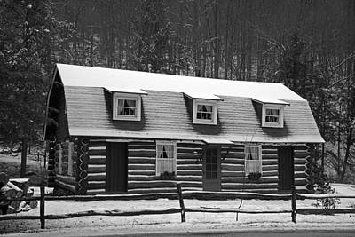 Cabin Window Photograph - Days Of Yore Log Cabin by John Stephens