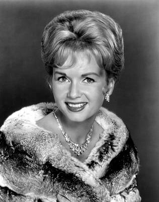 Diamond Necklace Photograph - Debbie Reynolds In The 1960s by Everett