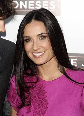 Demi Moore At Arrivals For The Joneses Print by Everett