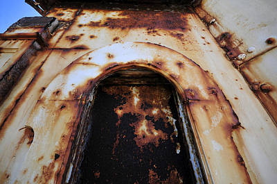 Door Of Rust Print by David Lee Thompson