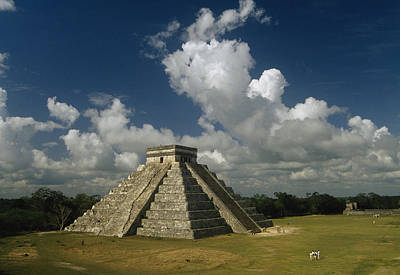 El Castillo Or The Temple Of Kukulcan Print by Martin Gray