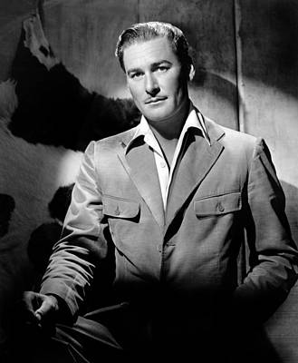 Colbw Photograph - Errol Flynn, 111943 by Everett