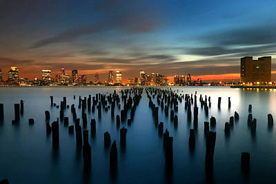 Evening Sky Over The Hudson River Print by Larry Marshall