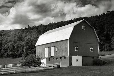 Finger Lakes Barn I Print by Steven Ainsworth