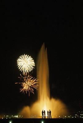 Fourth Of July Fireworks Print by Lynn Johnson