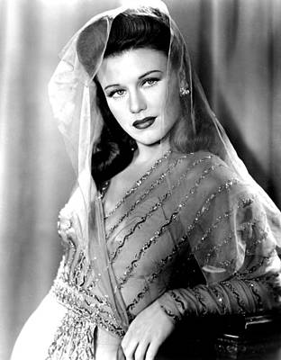 Colbw Photograph - Ginger Rogers, In A Paramount Studios by Everett