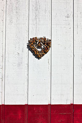 February 14th Photograph - Heart Wreath On Wood Wall by Garry Gay