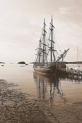 Maine Bounty Photograph - Hms Bounty Preparing To Set Sail by Doug Mills