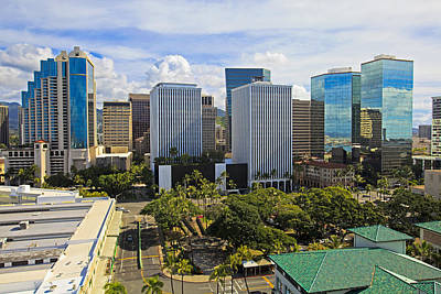 Honolulu Skyline From Aloha Tower Print by Tomas del Amo